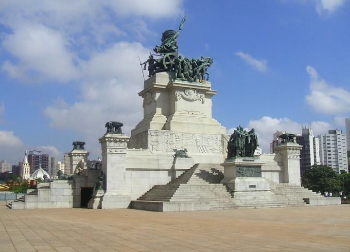 55 mejores imágenes de MONUMENTOS MUY FEOS | Monumentos