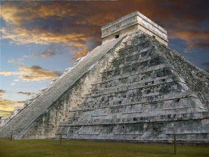 Otra vista de la Pirámide de Kukulcán.