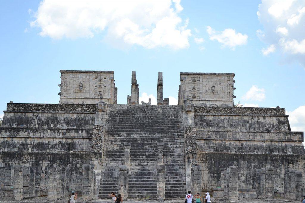 Templo de los guerreros y de las mil columnas