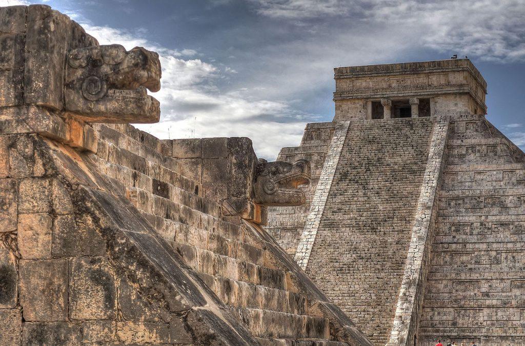Vista-Piramide-de-Kukulcan