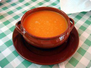 El gazpacho es consumido durante el verano en Sevilla.