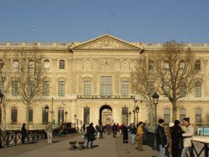 Louvre,_vu_de_la_Seine