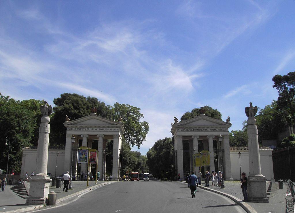 Villa_Borghese_-_entrata_2669