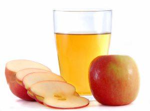 La sidra es hecha a partir de la fermentación de jugo de manzana.