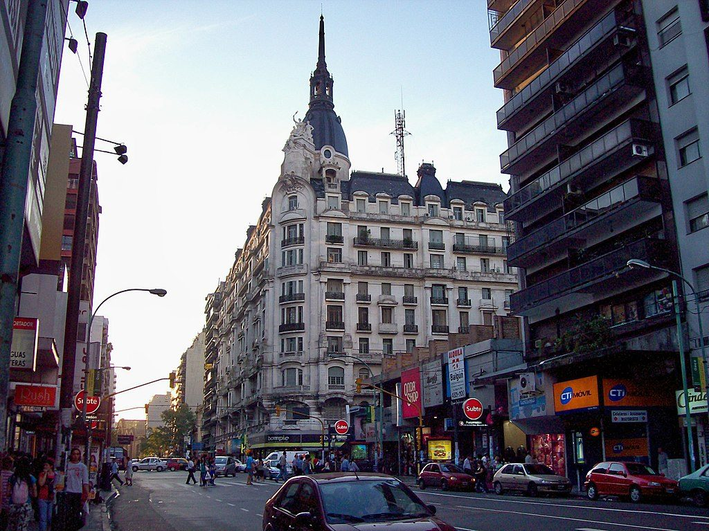Avenida-Corrientes-Buenos-Aires