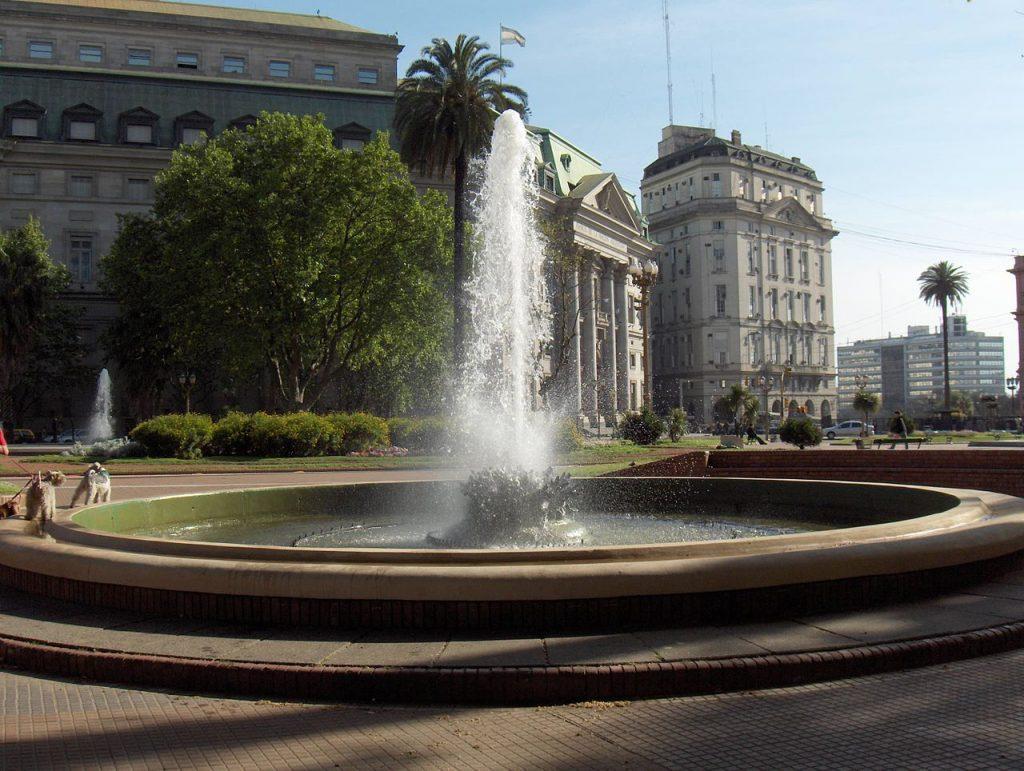 Plaza-de-Mayo-Argentina