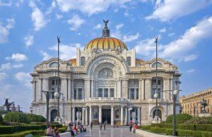 Fachada del Palacio de Bellas Artes en México.