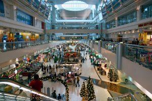 Interior del Aeropuerto Internacional de Dubai.