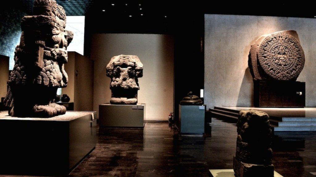 interior del museo nacional de antropología