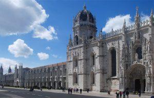 Vista de la fachada del Monasterio de los Jerónimos de Belém.
