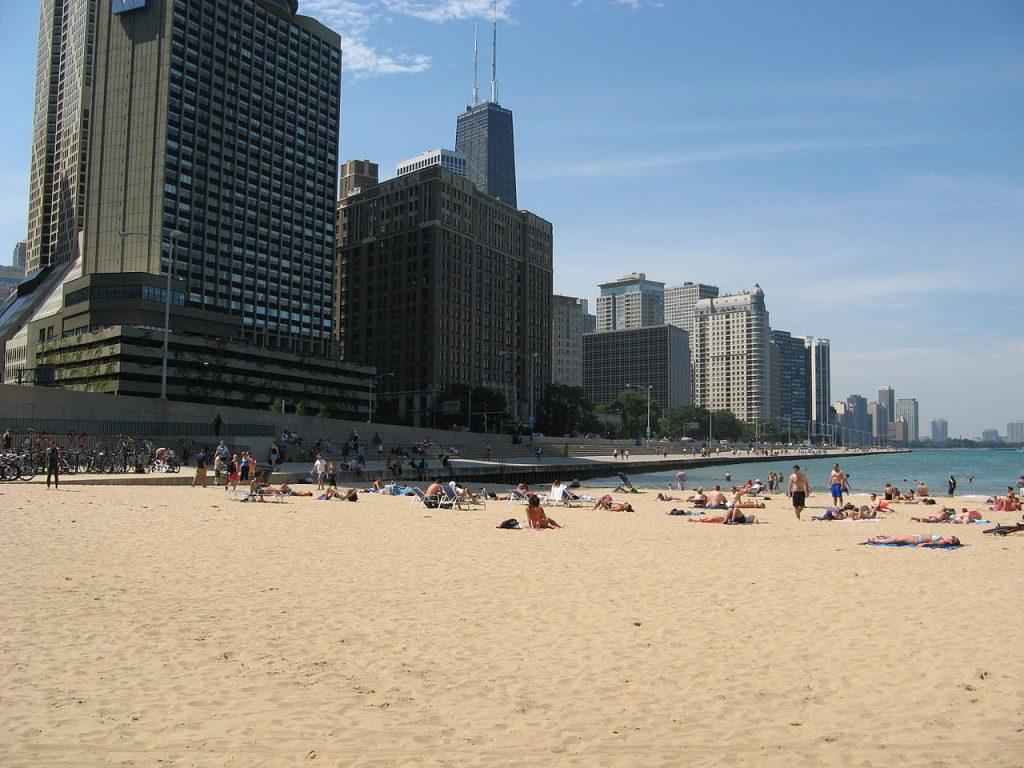Chicago_Beaches_-_Ohio_Street_Beach_1