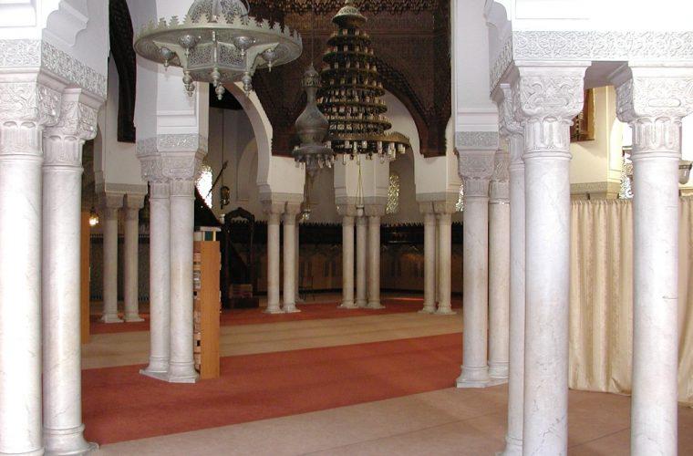 Interiores de la Gran Mezquita de París