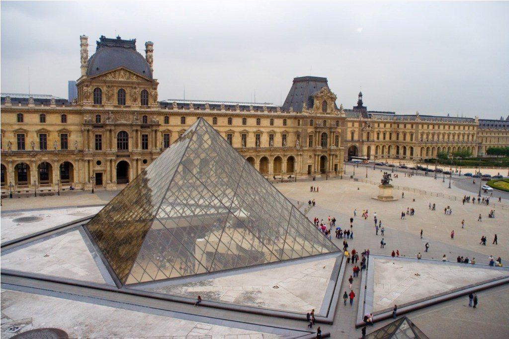 Museo de Louvre (París)