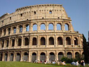 Cara lateral del Coliseo de Roma