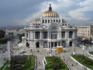 Exterior del Palacio de Bellas Artes (México)