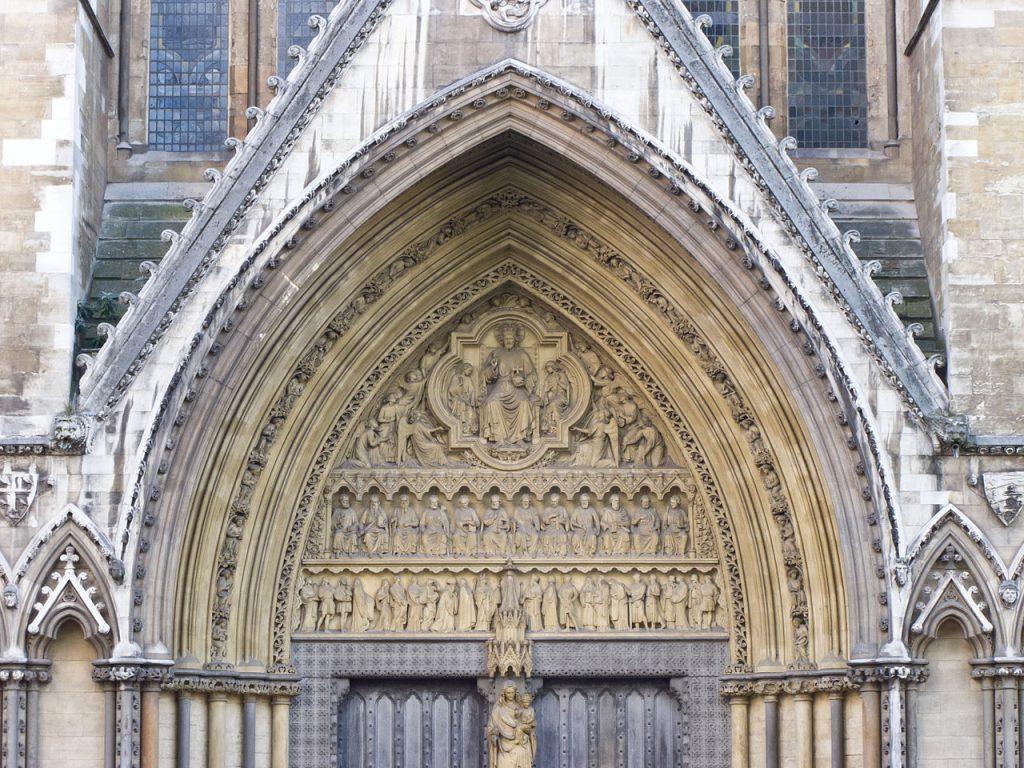 Abadía de Westminster – Tímpano en el portal central de la fachada norte.