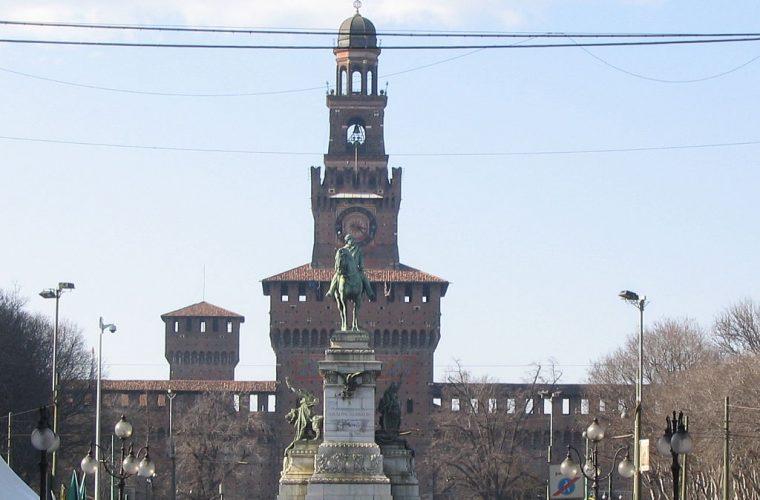 Frontis del Castillo Sforzesco