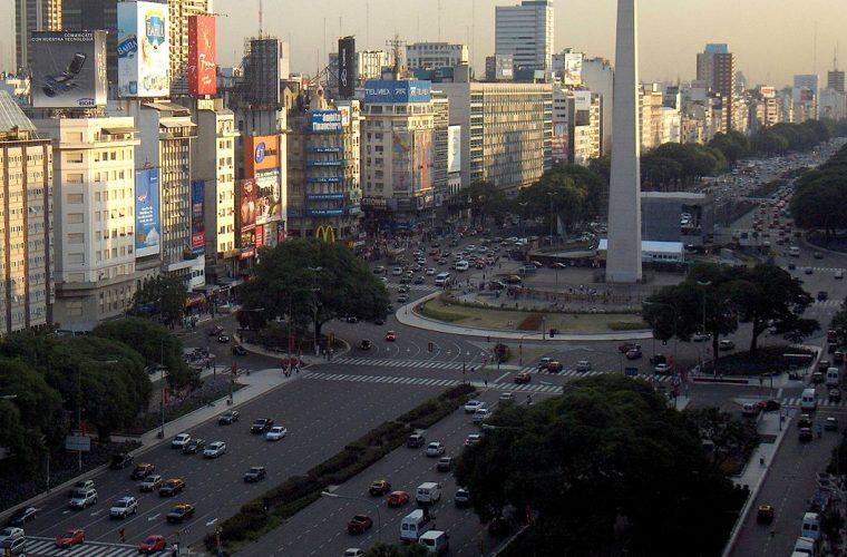 Avenida 9 de Julio, Plaza de la República y el Obelisco de Buenos Aires
