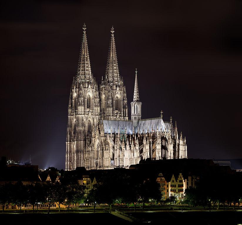 Catedral de Colonia de noche