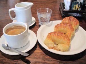 Croissants, desayuno tradicional en Buenos Aires