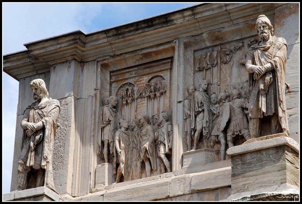 Arco de Constantino 12