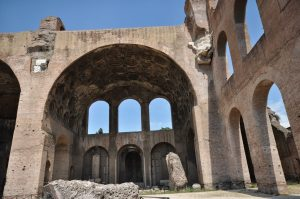 Basílica de Majencio 10