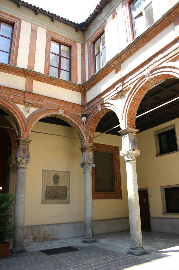 Palacio Isimbardi 1