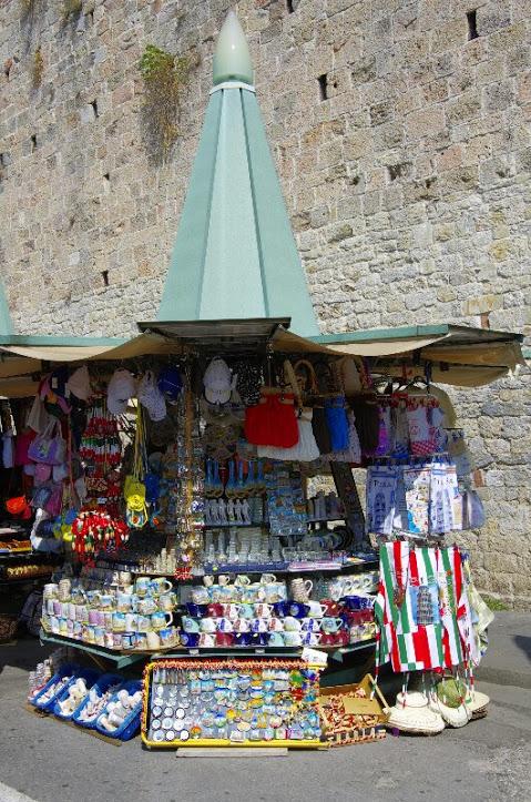 Piazza dei Miracoli 3