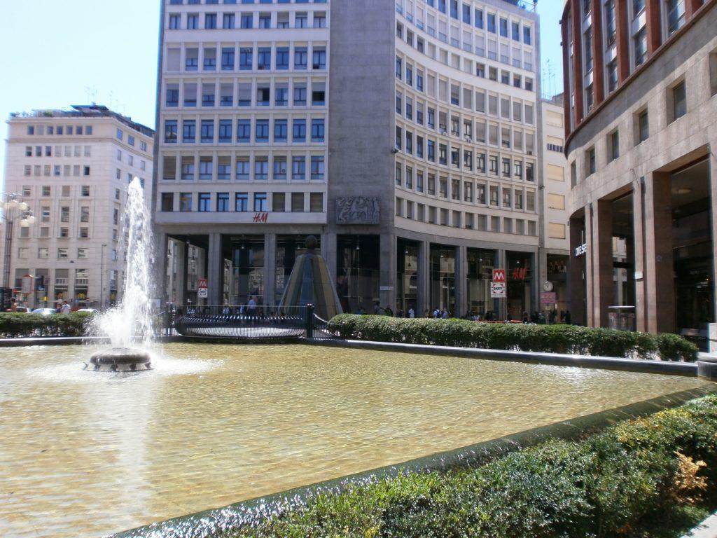 Piazza San Babila 8