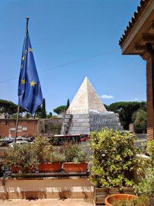 Pirámide Cestia 1