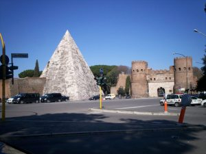 Pirámide Cestia 2