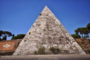 Pirámide Cestia 6