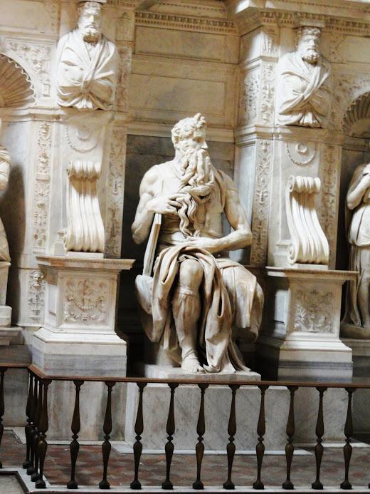 San Pietro in Vincoli (en español: San Pedro encadenado) 6
