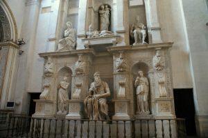 San Pietro in Vincoli (en español: San Pedro encadenado) 7