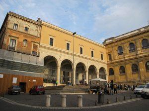 San Pietro in Vincoli (en español: San Pedro encadenado) 14