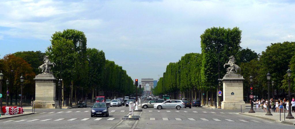 Avenida de los Campos Elíseos 1