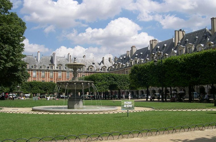 Place des Vosges 1