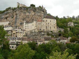 Población, santuario y castillo de Rocamador.