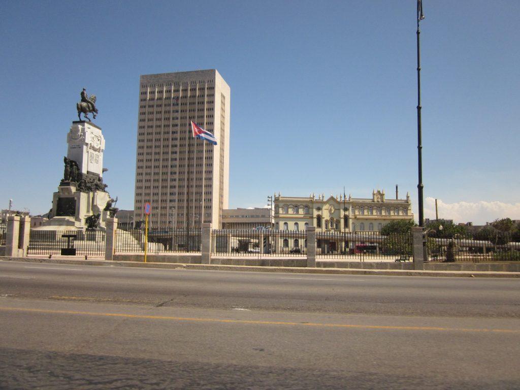 Monumento y Parque Antonio Maceo 1