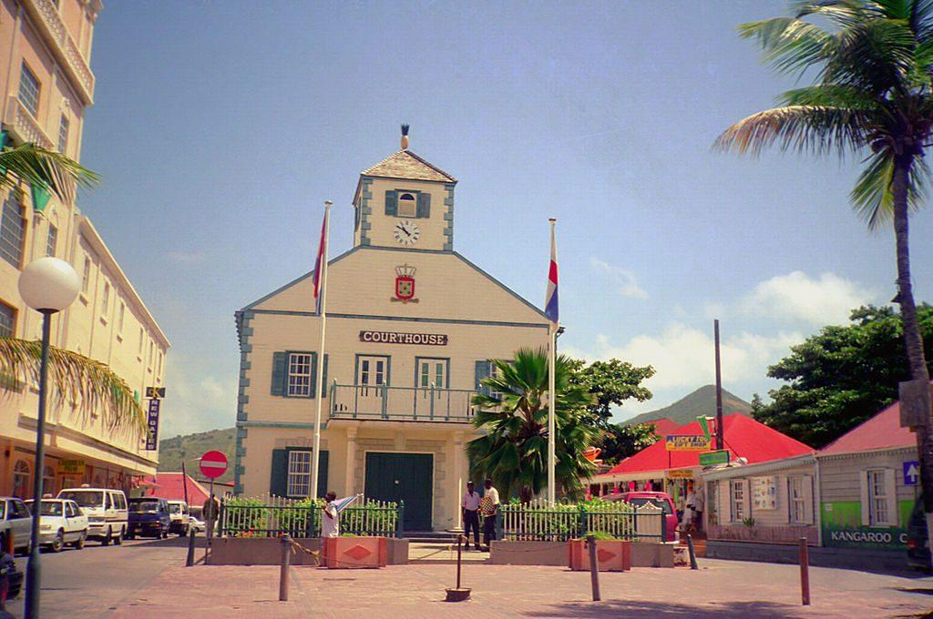 Sint Maarten, dos países en una sola isla 1