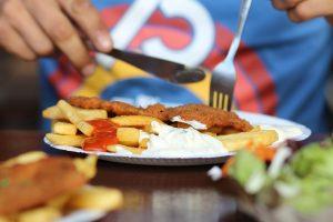 Schnitzel es la especialidad del restaurante Scheers Schnitzel.