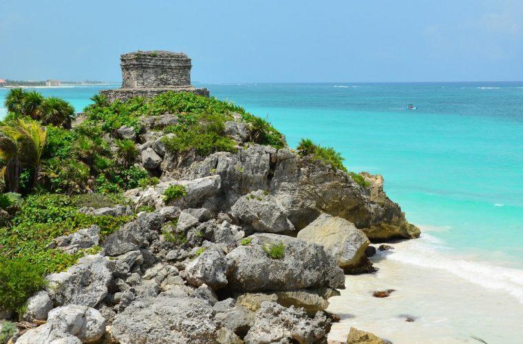 Ruinas de Tulum, Quintana Roo en verano.