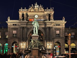 Estatua de Alfred Escher en Zúrich.