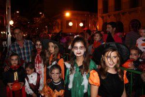 Niños españoles durante Halloween.