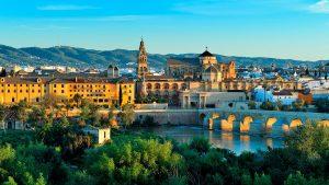 Hoteles en España en temporada de primavera.