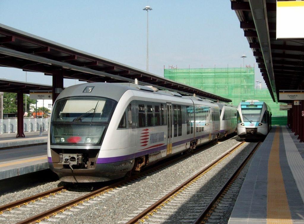 Railbus-para-el-servicio-suburbano-Pireo