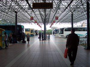 Terminal de autobuses en Pyrgos, Ilia, Grecia.