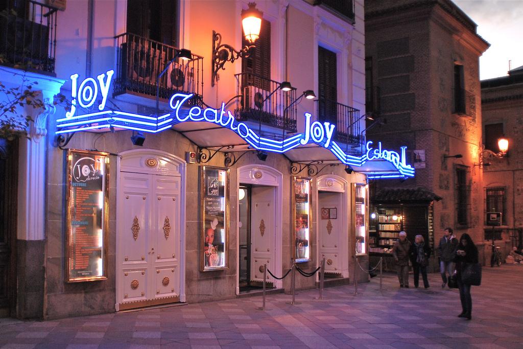 Salir de fiesta en madrid las 8 mejores opciones de vida for Calle loreto prado y enrique chicote 13