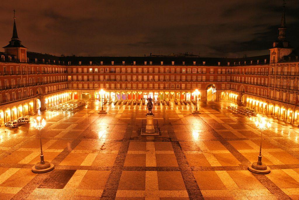 Plaza-Mayor-de-Noche