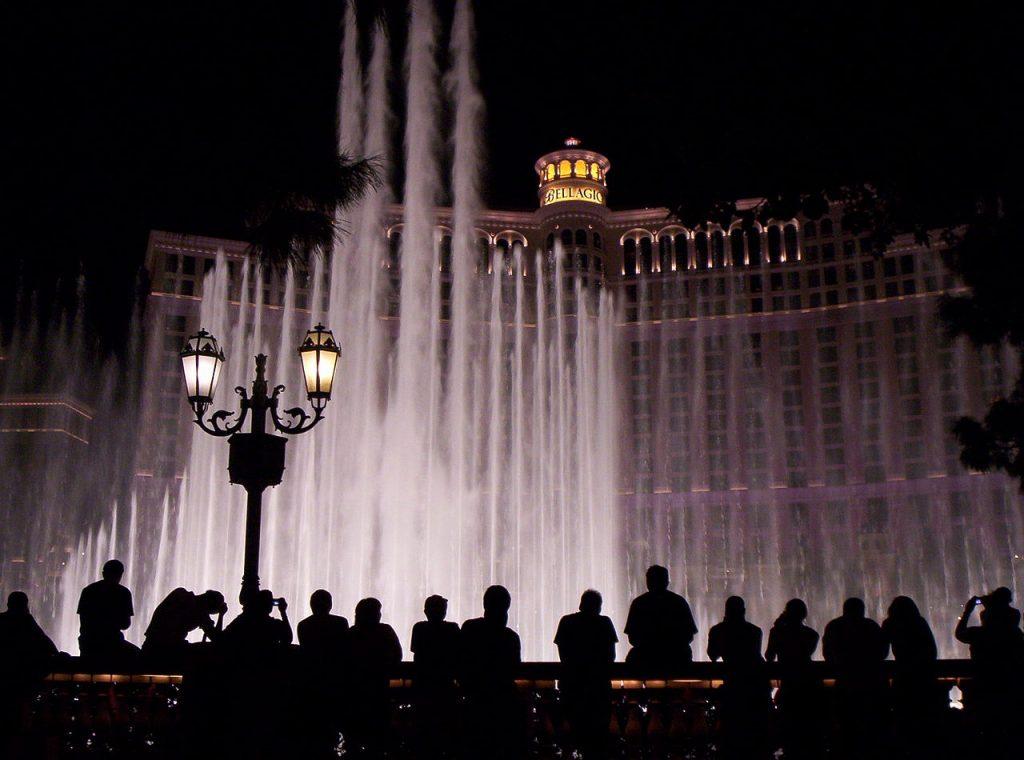 Bellagio-hotel-de-noche